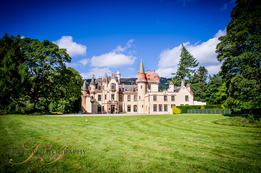 Featured Wedding Aldourie Castle Scotland 187 Truly Photography London Engagement Photography